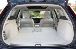 Volvo V60, 2018, boot, seats folded