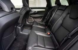 Volvo V90 R-Design, 2021, rear seats