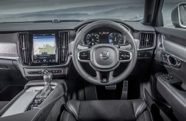 Volvo V90 R-Design, 2017, interior