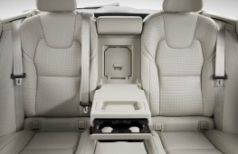 Volvo V90, 2016, rear seats
