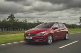 Vauxhall Astra, 2019, front