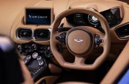 Aston Martin Vantage Roadster, 2020, dashboard