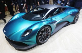 Aston Martin Vanquish Vision concept, front