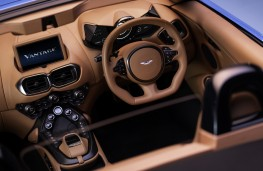 Aston Martin Vantage Roadster, 2020, interior