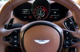 Aston Martin Vantage, 2018, instrument panel