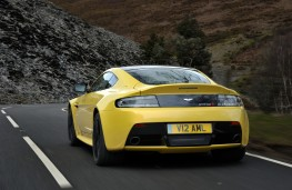 Aston Martin V12 Vantage S Coupe, rear
