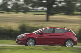 Vauxhall Astra, 2019, side