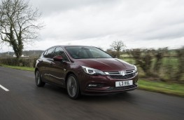 Vauxhall Astra Ultimate, front action