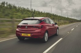 Vauxhall Astra, rear action