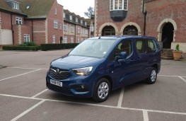 Vauxhall Combo Life XL, front static 2
