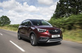 Vauxhall Crossland X Ultimate, front action