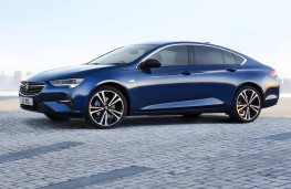 Vauxhall Insignia 2020 side