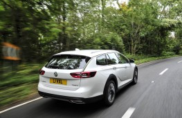 Vauxhall Insignia Country Tourer, rear action