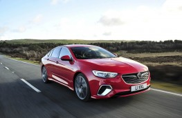 Vauxhall Insignia GSi, front action