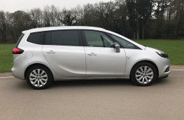 Vauxhall Zafira Tourer, side