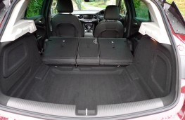 Vauxhall Astra Ultimate, boot 2