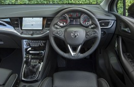 Vauxhall Astra SRi, dashboard