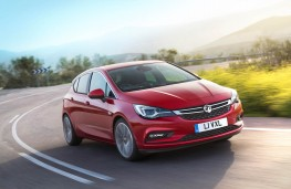 Vauxhall Astra, front action 2