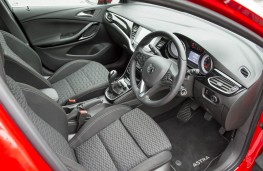 Vauxhall Astra SRi, front seats
