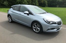 Vauxhall Astra, front