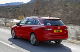 Vauxhall Astra Sports Tourer, rear action