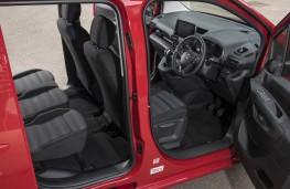 Vauxhall Combo Life, doors open