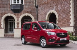 Vauxhall Combo Life, front static