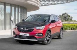 Vauxhall Grandland X Hybrid4 charging