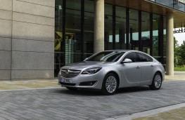 Vauxhall Insignia Hatchback, front