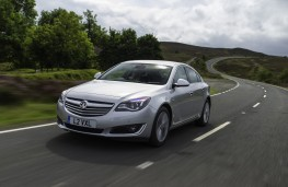 Vauxhall Insignia Hatchback, action