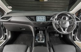 Vauxhall Insignia Country Tourer, dashboard