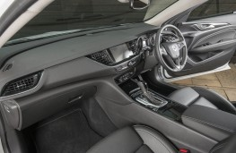 Vauxhall Insignia Country Tourer, front seats
