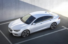 Vauxhall Insignia Grand Sport, above static