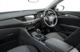 Vauxhall Insignia Grand Sport, dashboard