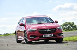 Vauxhall Insignia ST, front action