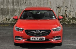 Vauxhall Insignia ST, full front static