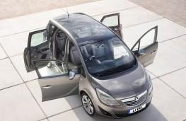 Vauxhall Meriva overhead