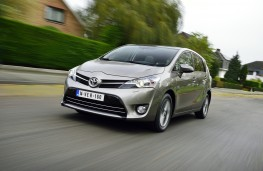 Toyota Verso 1.6D-4D, front, action