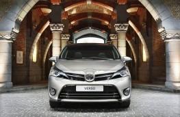 Toyota Verso 1.6D-4D, head on