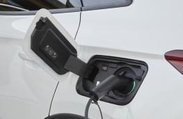 Vauxhall Grandland X Hybrid4, 2020, charging point