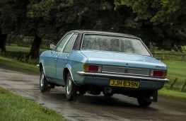 Vauxhall FE Victor 1975, rear, action