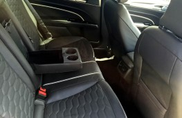 Ford Mondeo Vignale, rear seats