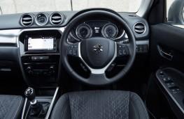 Suzuki Vitara, 2019, dashboard