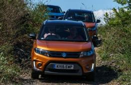Suzuki Vitara, off road, front