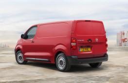 Vauxhall Vivaro, 2019, rear