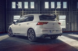 Volkswagen Golf GTI Clubsport 2021 rear