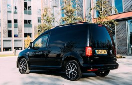 Volkswagen Caddy Black Edition rear