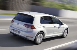 Volkswagen e-Golf 2017 rear action