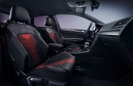 Volkswagen Golf GTI TCR front seats
