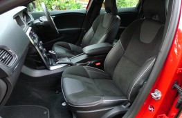 Volvo V40, front seats